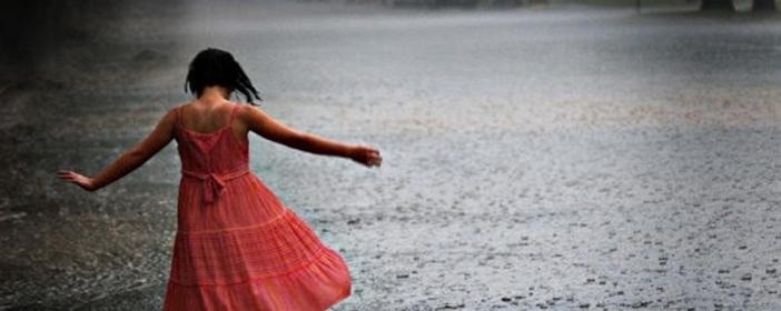 girl-dancing-rain_thumb23